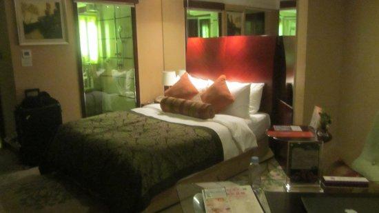 Merry Hotel Shanghai: Room