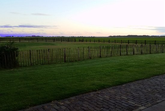Hoeve Holland: View around sunset from our back patio. Beautiful!
