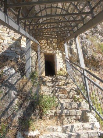 Grotta Sant'Angelo: Ingresso