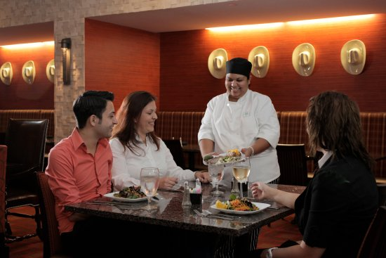 Holiday Inn Amarillo West Medical Center: An elegant place for dinner with friends