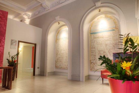 Hotel Indigo Glasgow: Appreciate the architecture in our hotel lobby