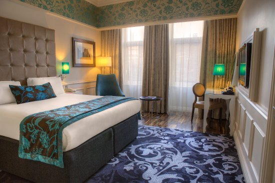 Hotel Indigo Glasgow: Accessible rooms offer spacious floor area & adjoining room option