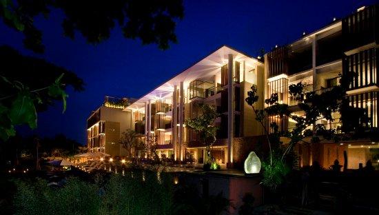 Anantara Seminyak Bali Resort: Hotel Exterior
