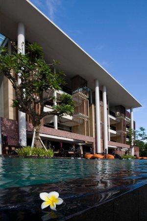 Anantara Seminyak Bali Resort: Exterior View