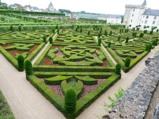 Gardens at Ch. de Villandry - Picture of Chateau de Villandry ...