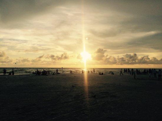 Palm Pavilion Inn : Sunset