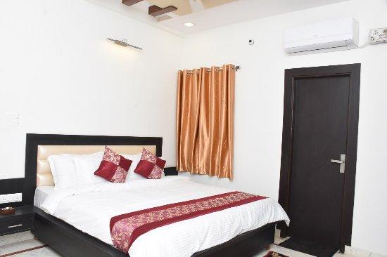 Hotel Aaradhya Residency