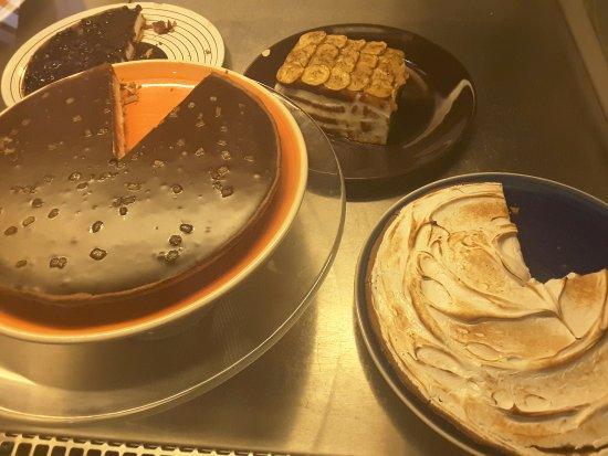 Cafe De L'Academia: HOmega made desserts