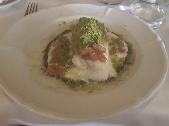 Cafe De L'Academia: Code fish with pistachio, tomatoes and olive oil