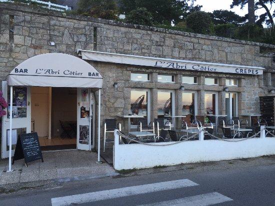La Façade Du Restaurant Avec Une Deuxième Terrasse Picture