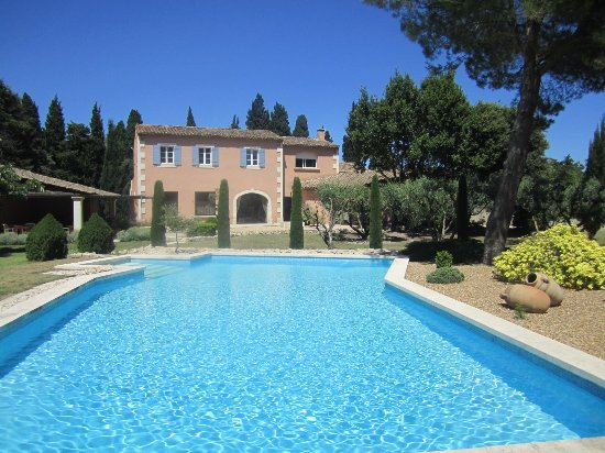 Graveson, Francia: la maison et la piscine