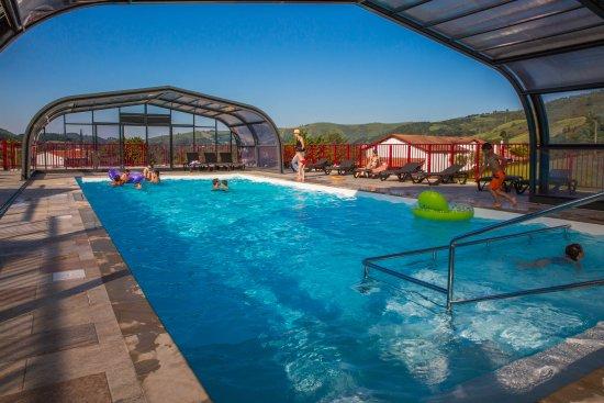 Saint-Martin-d'Arrossa, Frankrike: piscine couverte et chauffée