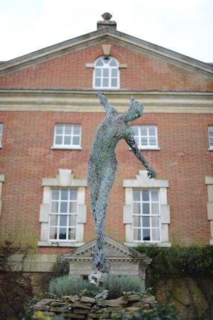 Cranborne, UK: Simon Gudgeon Sculpture