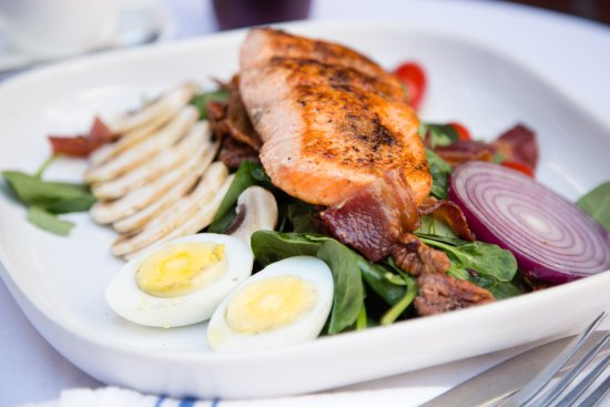 Andover, MA: Spinach Salad with fresh Blackened Salmon