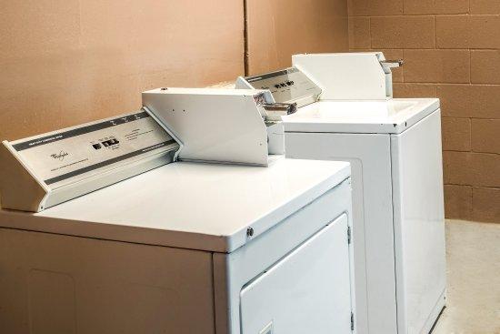 Rodeway Inn: Laundry