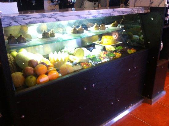 Paredes, Portugalia: Montra Recheada, Excelentes Sobremesas.