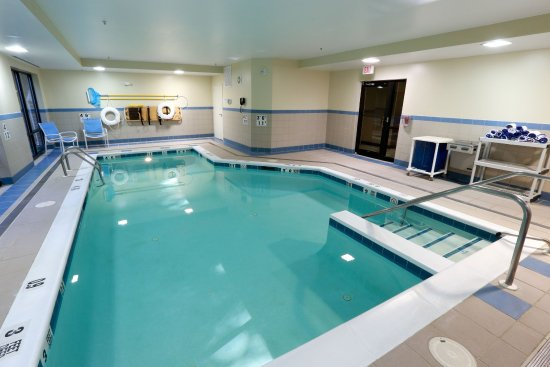 Holiday Inn Express Hotel & Suites West Chester: The Cool Pool can be fun for the family or instrumental in a day's