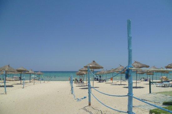 Tej Marhaba Hotel: Пляж отеля.