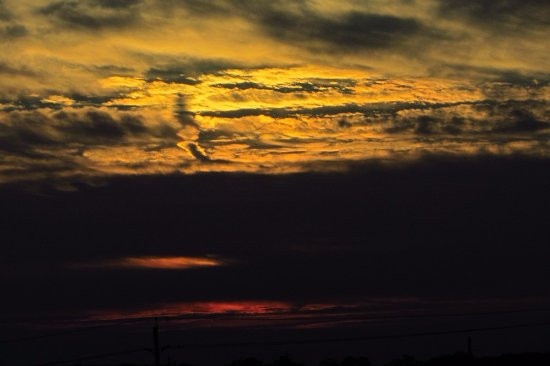 Thorold, Canada: As we drove home, this is how the sky looked like!