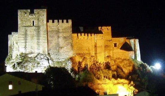 Castillo de Yeste de noche