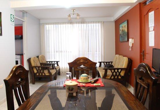 Abancay, Perú: Apartamento Doble - Sala-Comedor