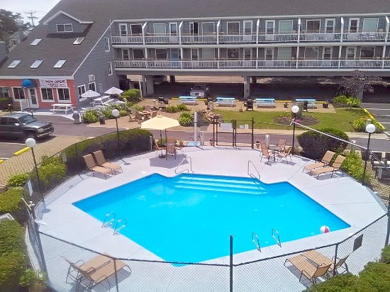 The Grand Beach Inn: pool