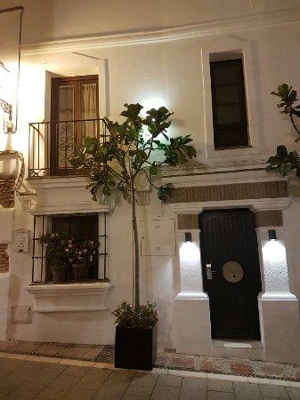 La Villa Marbella - Charming Hotel: 20160706_013343_large.jpg