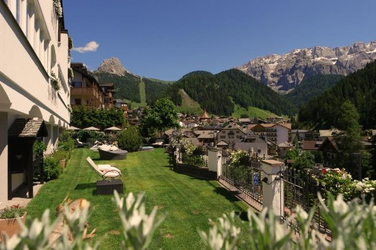 Photo of Hotel Sporting Selva Di Val Gardena