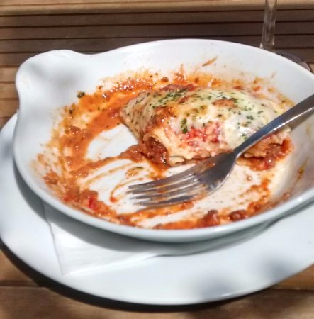 Bonchurch, UK: Life changing Lasagne or what's left of it! Fantastic!