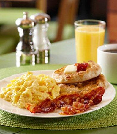 Leavenworth, KS: Hot Breakfast