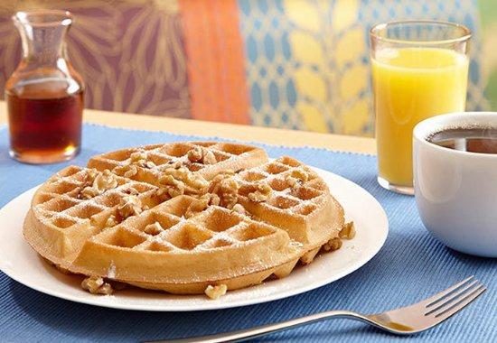 Leavenworth, KS: Breakfast Waffles