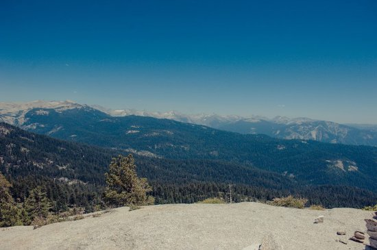 View from the summit of Little Baldy Trail in Sequoia National Park