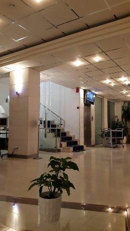 BEST WESTERN Hotel Fenix: TA_IMG_20160708_221216_large.jpg