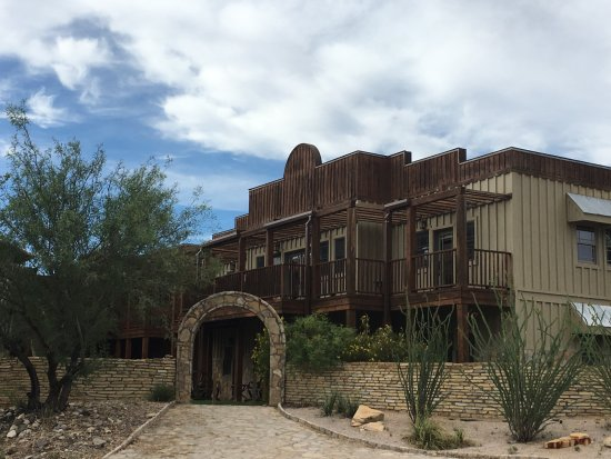 Lajitas Golf Resort: One of the entrances to the Badlands Hotel