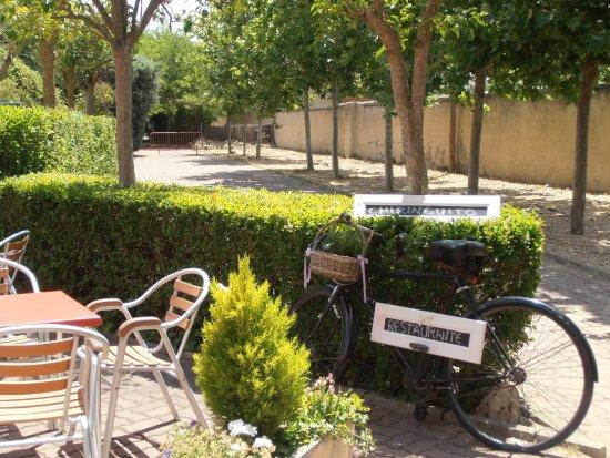 Entrada A La Encantadora Terraza Jardín Picture Of Nueva