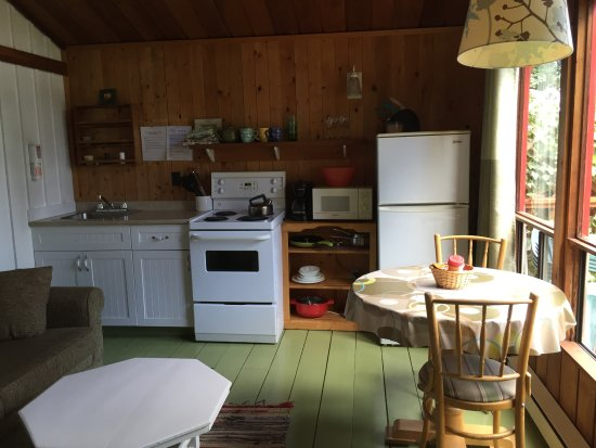 Maple Ridge Cottages: A peak into our cottages!