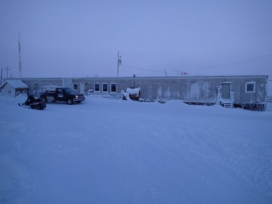 Igloolik, Canada : This is the outside of the hotel very early on a very cold day!