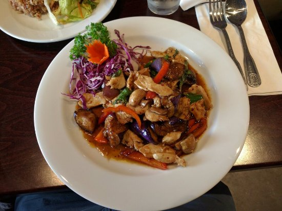Aroy thai bistro thai restaurant 338 university ave in for Aroy thai cuisine