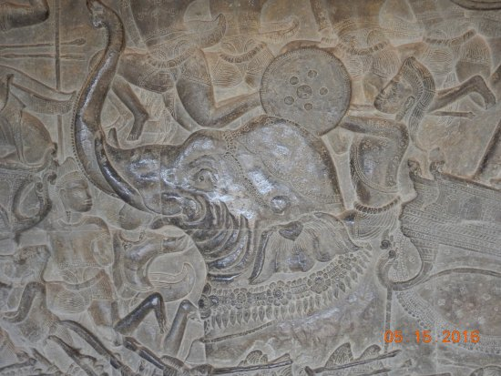 Cambodia Angkor Wat Day Tours: details of mural