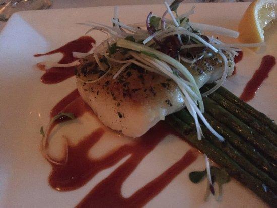The Pointe Restaurant: photo1.jpg