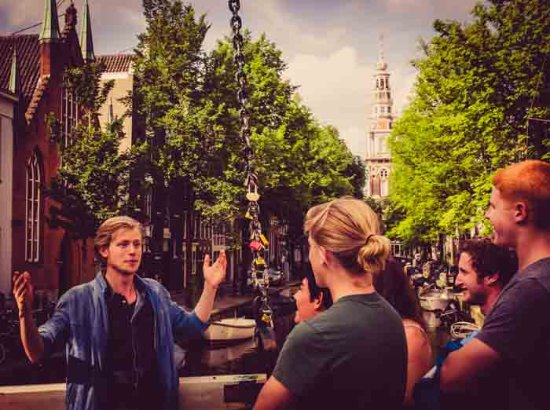 Follow the white rabbit - Amsterdam Tours
