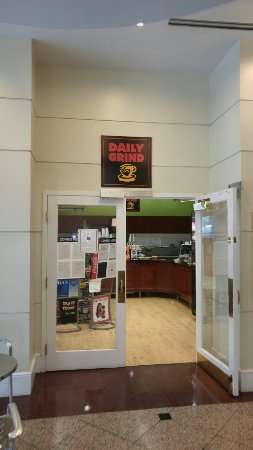 Daily Grind at Hopkins Greenspring - Picture of Daily Grind Cafe