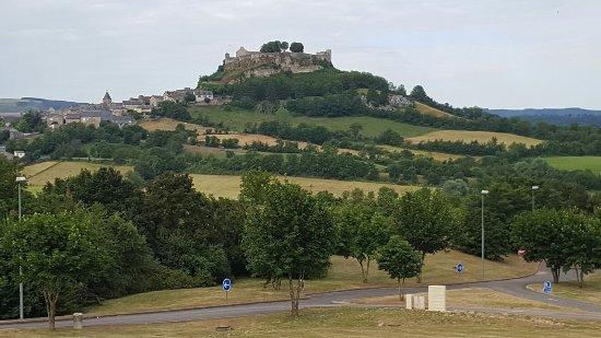 Severac-le-Chateau, ฝรั่งเศส: Un petit coin de France à découvrir et très accueillant 😎