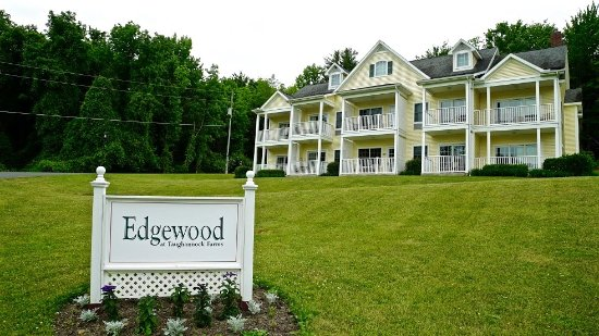 Trumansburg, estado de Nueva York: Edgewood, one of our vacation rental options