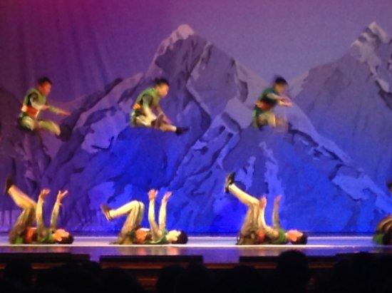 Branson, MO: Acrobats of China