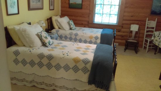 Valle Crucis, NC: Part of our room The Bird Room Suite