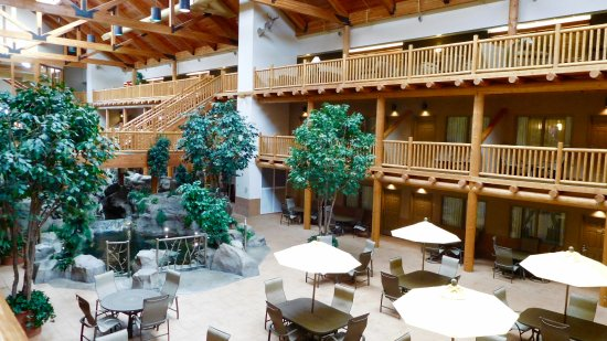C'mon Inn of Casper : Atrium