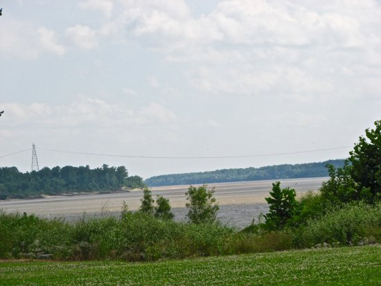Tom Sawyer's RV Park: River looking south