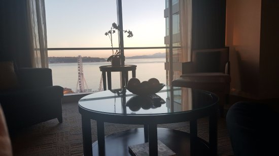 Four Seasons Hotel Seattle: breakfast / working table off living room 8th floor