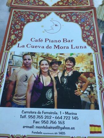 Mecina Fondales, İspanya: Cuevas de la Mora Luna